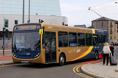 SN65 OED, Usk Way, Newport, August 30th 2018 (Southsea_Matt) Tags: sn65oed 27285 routex24 stagecoach gold southwales adl alexanderdennis e200 enviro200 uskway newport gwent wales unitedkingdom august 2018 summer canon 80d sigma 1850mm bus omnibus vehicle transport