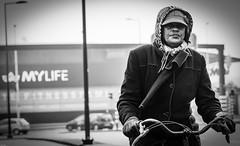 Biker2 (Peter M. Meijer) Tags: rotterdam holland netherlands bw bn strada strasse straat photographia callejera candid sonya7iii sony85mm