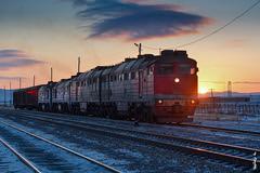 Sunset time... (N.Batkhurel) Tags: season sky sunset sun snow winter clouds 2m62m 2te116 railway railfan railroad rzd ubtz trains trainspotting locomotive diesellocomotive ngc nikond5200 24120mm mongolia monrailpic