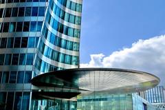 Soucoupe volante (Emmanuel Iriart) Tags: emmanueliriart ladéfense building architecture defense92