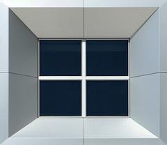 La fenêtre (Emmanuel Iriart) Tags: emmanueliriart ladéfense building architecture defense92
