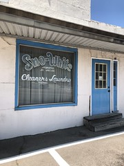 Sno-White Cleaners and Laundry, Pell City AL (Deep Fried Kudzu) Tags: snowhite sno snow white dry cleaners laundry pell city alabama blue