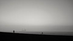 bergauf und bergab (Perspektivenwechsel / Fotografie Sabine Werfel) Tags: halde haldehaniel ruhrgebiet ruhrpott minimal minimalism monochrome blackandwhite schwarzweis