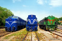 OSE Α.302 & Α.326 & Α206 (Artemis & Nikos Klonos) Tags: greece hellas alco ak normalgauge diesel ose lianokladi station 2001 osealcos fpd7dl500c rsd34 rs8dl532b