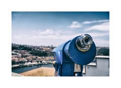 ... (ángel mateo) Tags: ángelmartínmateo ángelmateo oporto porto portugal nubes cielo prismáticos prismáticosturístico mirador lente ríoduero azul clouds sky binoculars touristbinoculars viewpoint lens riverdouro blue