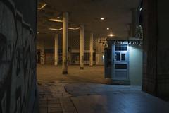 Belgrade, août 2019. (Le Cercle Rouge) Tags: belgrade serbia serbie streets darkness light nocturne nuit night terazije balkan beograd fastfood