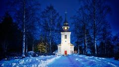 Vilhelmina kyrka (johan.bergenstrahle) Tags: blå aurorahdr finepicsse sverige byggnad blue hdr kyrka december church evening exposurex5 2020 building sweden kväll