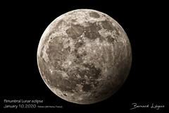 Eclipse pénombrale de Lune | Penumbral Lunar eclipse ([ ͆ ◎] Bernard LIÉGEOIS) Tags: europe france nouvelleaquitaine poitoucharentes vienne vienne86 poitiers astro astronomie astronomy astrophoto photoastro lune moon pleinelune fullmoon eclipse éclipse pénombre pénombrale penumbral éclipseparlapénombre penumbraleclipse nuit atnight night
