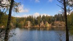 *** (pszcz9) Tags: przyroda nature natura naturaleza pejzaż landscape woda water staw pond skała rock las forest forestimages beautifulearth sony a77