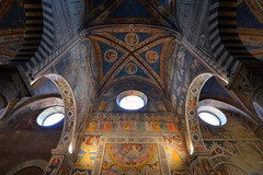 Dome with frescoes (Thomas Roland) Tags: unesco world heritage site europe europa italy italia italien sommer summer nikon d7000 travel rejse toscana tuscany by stadt town city siena piazza del duomo san gimignano medieval tower towers collegiate church santa maria assunta kirche kirke dome hvælving ceiling loft fresco frescoes