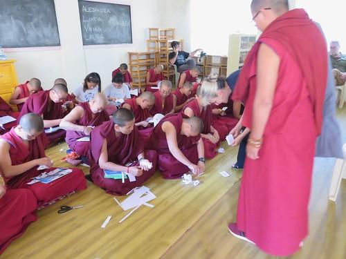 Eclipse con la comunidad tibetana en exilio, asentamiento Doeluging, sur India