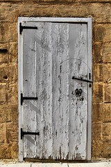 White door (Siuloon) Tags: whitedoor mdina malta malte maltese architektura architecture architettura architetura architectural rabat door doors stone structure street oldtown old wejście entry entrance exit texture wall canon tamron vacation holiday outdoors drzwi dom