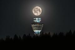 Moon over Puijo tower (VisitLakeland) Tags: finland kuopio kuopiotahko lakeland puijo puijopeak puijonaturepark puijontorni backlight fullmoon kuu kuutamo luonto maisema moon nature outdoor puijotower scenery talvi täysikuu vastavalo winter ngc