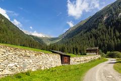 Verso Gogealm (cesco.pb) Tags: malgagoge gogealm valleaurina valledirio riobianco altoadige alps alpi sudtirol italia italy alpiaurine zillertaleralp canon canoneos60d tamronsp1750mmf28xrdiiivcld montagna mountains