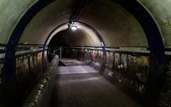 Ghost Tunnel (Euston Station) (Torsten Reimer) Tags: england metro europa tunnel euston subway unitedkingdom abandoned underground london derelict hiddenlondon tube ubahn station verlassen europe uk nikond750 greaterlondon