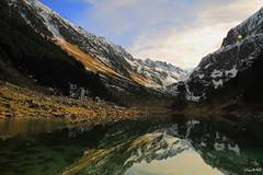 lac de Suyen (hautes pyrenees) (oliv340) Tags: pyrenees hautespyrenees occitanie sudouest france lacdesuyen montagne nature landscape longueexposition longexposure midipyrenees paysage photography lake reflets