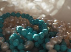 HSoS ! (fotomie2009) Tags: beads smileonsaturday perle turchesi pearls bijoux turquoise turchese composition close up spots white