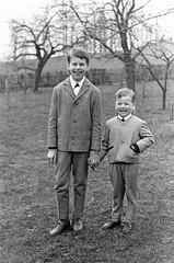 Altes DDR Foto 60er Jahre - Jungs (www.nbfotos.de) Tags: kinder jungs boys kids ddr ostalgie schwarzweiss bw blackandwhite