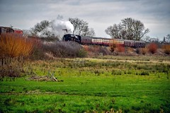 In The Countryside (nickym6274) Tags: nenevalleyrailway nenevalley peterborough wansfordstation uk nvr steamtrain train stanierclass 1945 crewe williamstanier thefenman 44871 steam