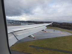 Airbus A319 landing at a rainy Luxembourg (breedlux) Tags: lux ellx geupb airbus a320 ba britishairways