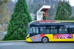 Namur : Un Volvo 7900 électrique hybride du TEC recharge à son terminus. (31.12.2019) (thomas_chaffaut) Tags: namur belgique tec volvo 7900eh electric hybrid abb sustainablebus bus transport