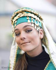 Cabalgata de Reyes de Zaragoza (kinojam) Tags: retrato portrait chica girl belleza beauty cabalgata zaragoza kino kinojam canon canon6d