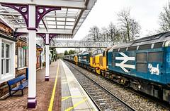 Walkies at Hinckley (robmcrorie) Tags: hinckley station class 37 37402 37401 37424 37558 norwich crewe nikon d850