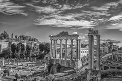 Foro Romano (therlo28) Tags: foro romano italia roma italy antiguo columnas construcción nubes bw blancoynegro blackandwhite monocromatico monocromo monochrome monocromático historia history