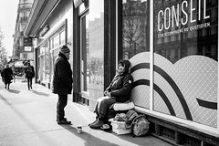 être accompagné au quotidien (mouzhik) Tags: 11000sf2iso200 m2 eosm2 canon efm22mmf2stm 22mm canonefm22mmf2stm prime pancake мужик moujik mouzhik muzhik zemzem mujik paris parís 파리 париж 巴黎 парыж פריז pariisi パリ párizs parîs باريس parys parizo парис paryż παρίσι پاریس parijs photoderue photographiederue strasenfotografie streetphotography צילוםרחוב yличнаяфотография ストリートスナップ стритфотография تصويرالشارع fotografiadistrada fotoderua fotografíacallejera noiretblanc nb schwarzweis monochrom blackandwhite bw monochrome blancoynegro blanconegro biancoenero bianconero pauvreté misère armut poverty misery pobreza povertà miseria бедность нищета беднота bieda niedostatek bnpparibas bnp conseil êtreaccompagnéauquotidien