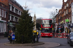 IMGP5568 (Steve Guess) Tags: christmas xmas uk england bus tree london roundabout surrey gb surbiton greater rbk tfl united sp scania ratp omnidekka yt09zcl sp40061