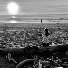 Solo descent (cyprest) Tags: sunset blackandwhite beach alone solo pacificcoast newyear'seve2019