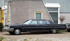 Cadillac Fleetwood 1972 (XBXG) Tags: dh0687 cadillac fleetwood 1972 cadillacfleetwood v8 gm general motors generalmotors stofkuipstraat wormer nederland holland netherlands paysbas vintage old classic american car auto automobile voiture ancienne américaine us usa vehicle outdoor