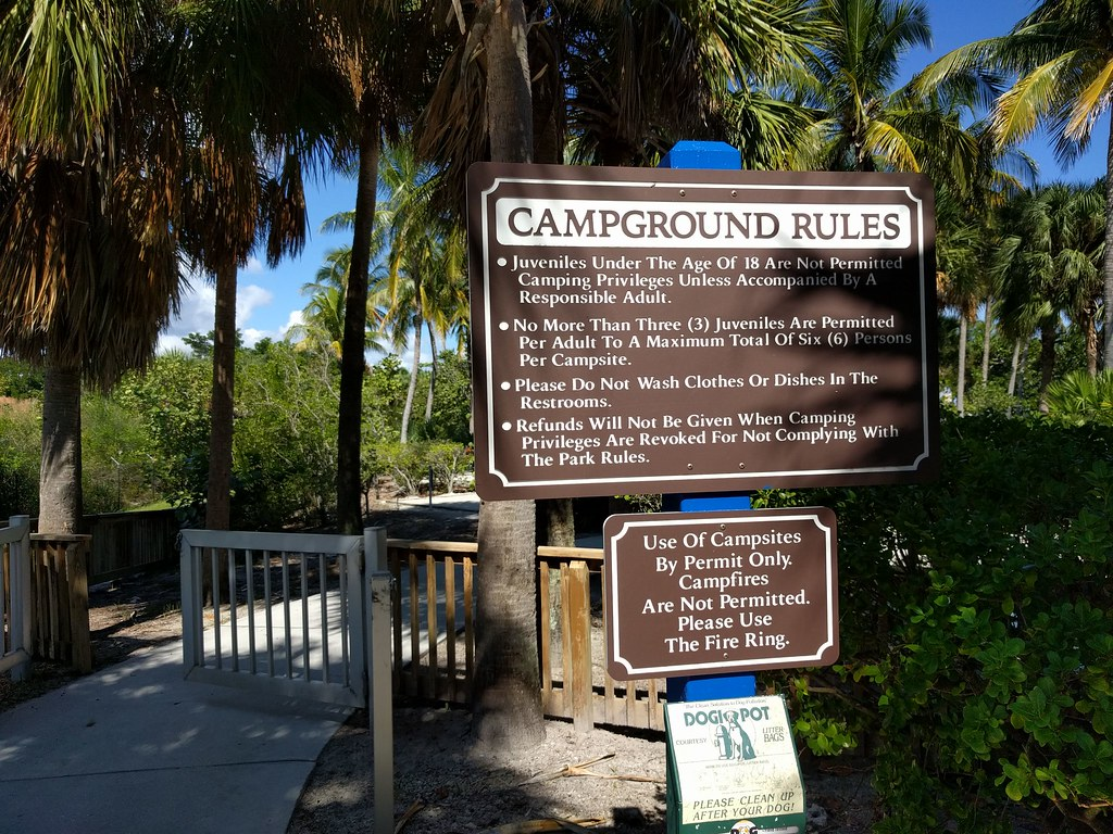 camping-on-peanut-island