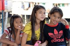 pretty preteen girls (the foreign photographer - ฝรั่งถ่) Tags: three preteen girls children khlong lard phrao portraits bangkhen bangkok thailand nikon d3200