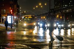 460 (Jacques Lebleu) Tags: métro boulevardcrémazie villeray métropolitaine piétons automobiles
