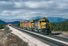5389 East at Darling, AZ (thechief500) Tags: atsf arizonadivide bnsf railroads seligmansubdivision santaferailway arizona sd45 spsf