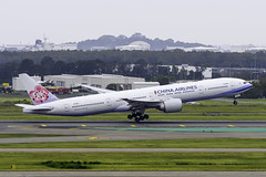 B-18053 B773ER CHINA AIRLINES YBBN (Sierra Delta Aviation) Tags: china airlines boeing b773er brisbane airport ybbn b18053