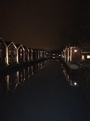 Kanal (aggeji) Tags: sjöbodar kanal kväll spegling