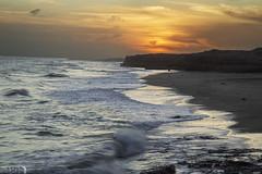 Mar del sud (Marina-Inamar) Tags: partidodegeneralalvarado argentina buenosaires mar costa acantilado sol atardecer nubes panorama vista paisaje maritimo espuma olas velocidadlenta horizonte vacaciones naturaleza largaexposición mardelsud mardelsur