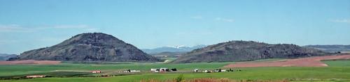 Rhyolitic tuff cones (Late Pleistocene; China Hat & China Cap, Central Dome Field, Idaho, USA)