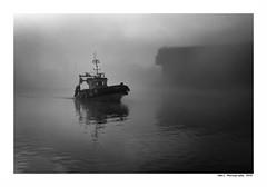 """""""Dans Les Traces Du Poulpe Ou Pour L'Attendrir Faut Taper Dessus... 34"""" (TBWLC Photography) Tags: fdrouet tbwlc myst brume port bateau ship boat saintnazaire penhoët nikon d750 nb bw monochrome"""
