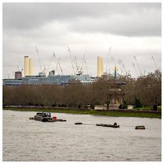 Rebuilding Battersea Power Station (Mandy Willard) Tags: battersea powerstation thames river barge cranes park