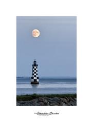 Moonlight over the Perdrix (Seb BAUDIN) Tags: nikon d7000 tourelle les perdrix loctudy finistère bretagne brittany breizh lune moonlight mer sea océan ocean littoral seascape paysage nuit night sébastien baudin