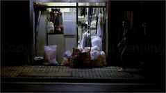 """Laundrette"" Sai Ying Pun, Hong Kong, China (December 2019) (Kommie) Tags: sai ying pun hong kong china bonham road night low light street photography fujifilm xt3 fujinon 56mm f12 r chinese woman girl lady"