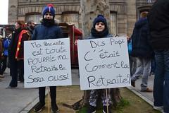 Manifestation du samedi 11 janvier contre le projet de réforme des retraites (Jeanne Menjoulet) Tags: retraites manifestation paris manif manifestants janvier2020 demonstration france defense pensions enfants pancartes papi