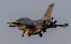 RoCAF General Dynamics / Lockheed Martin F-16B (Block 20) 6805 on final approach at Chiayi Air Base (Jeroen.B) Tags: 2019 roc rocaf republicofchina taiwan 中華民國空軍 lockheed martin 6805 f16 f16b f16b20cf tb5 21 tfg fms 930826 chiayi air base 嘉義空軍基地 rcy rcku