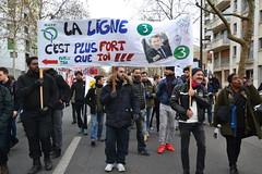 Manifestation du samedi 11 janvier contre le projet de réforme des retraites (Jeanne Menjoulet) Tags: retraites manifestation paris manif manifestants janvier2020 demonstration france defense pensions grève métro ratp ligne3