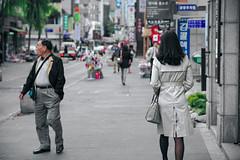 0841/1742 (june1777) Tags: snap street alley seoul light bokeh kyocera contax n digital ndigital nd carl zeiss variosonnar nvs 2485mm f3545 100 insadong vin2