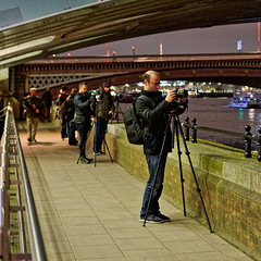 Photographers (Croydon Clicker) Tags: photographer camera tripod people footpath bridge wall blackfriars london nikon tamron