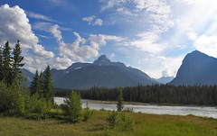 Icefield PW to Mt Fryatt Panorama (matthias416) Tags: canada kanada alberta landscape landschaft river flus mountains berge nikon athabascariver forest wald sky himmel clouds wolken